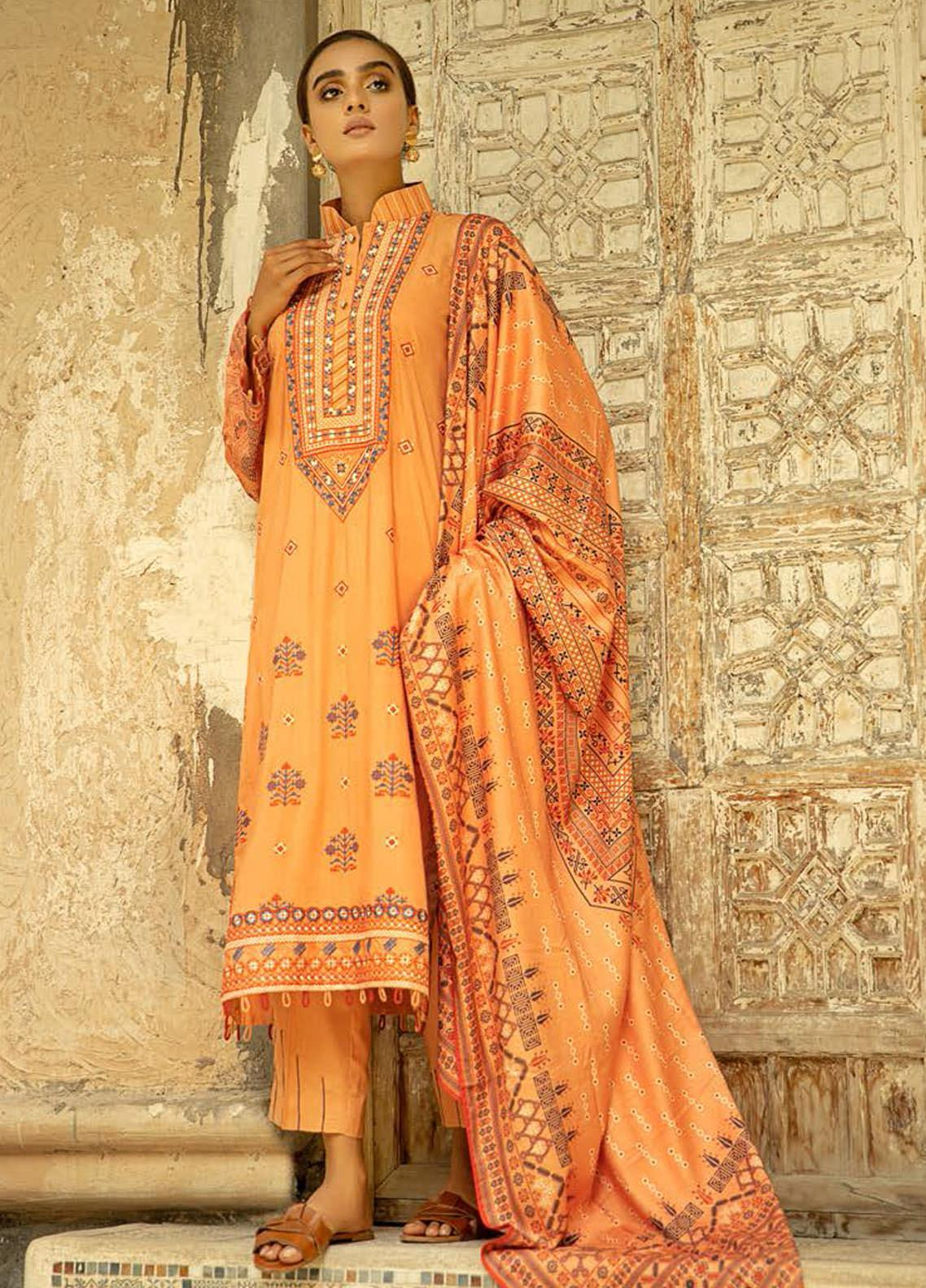 Aabyaan Embroidered Viscose Silk Unstitched 3 Piece Suit ABY20VS 05 Jihan - Winter Collection