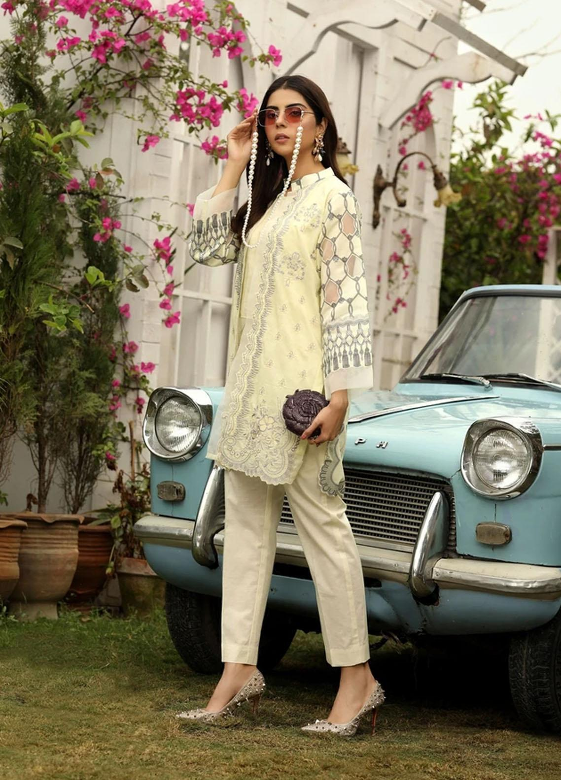 Aghaaz By Nuriyaa Embroidered Lawn Suits Unstitched 2 Piece NR21A NURAY B - Summer Collection