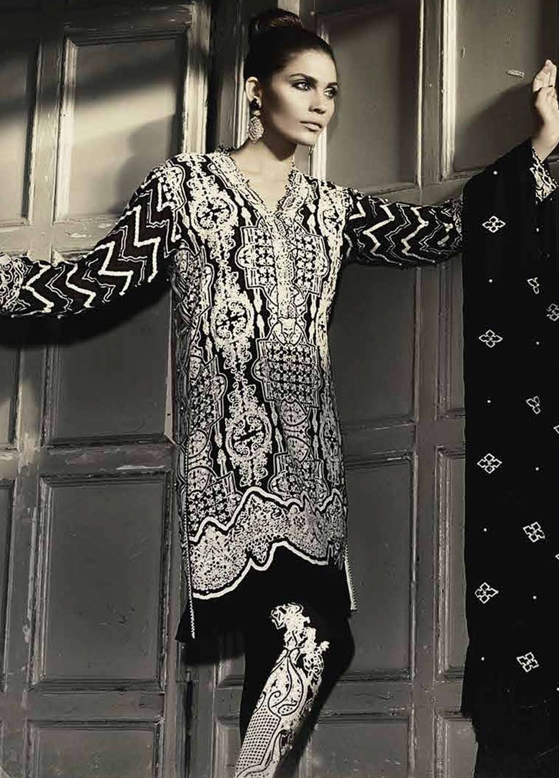 Asim Jofa Embroidered Cotton Net Unstitched 3 Piece Suit AJ18F 1B - Festive Collection