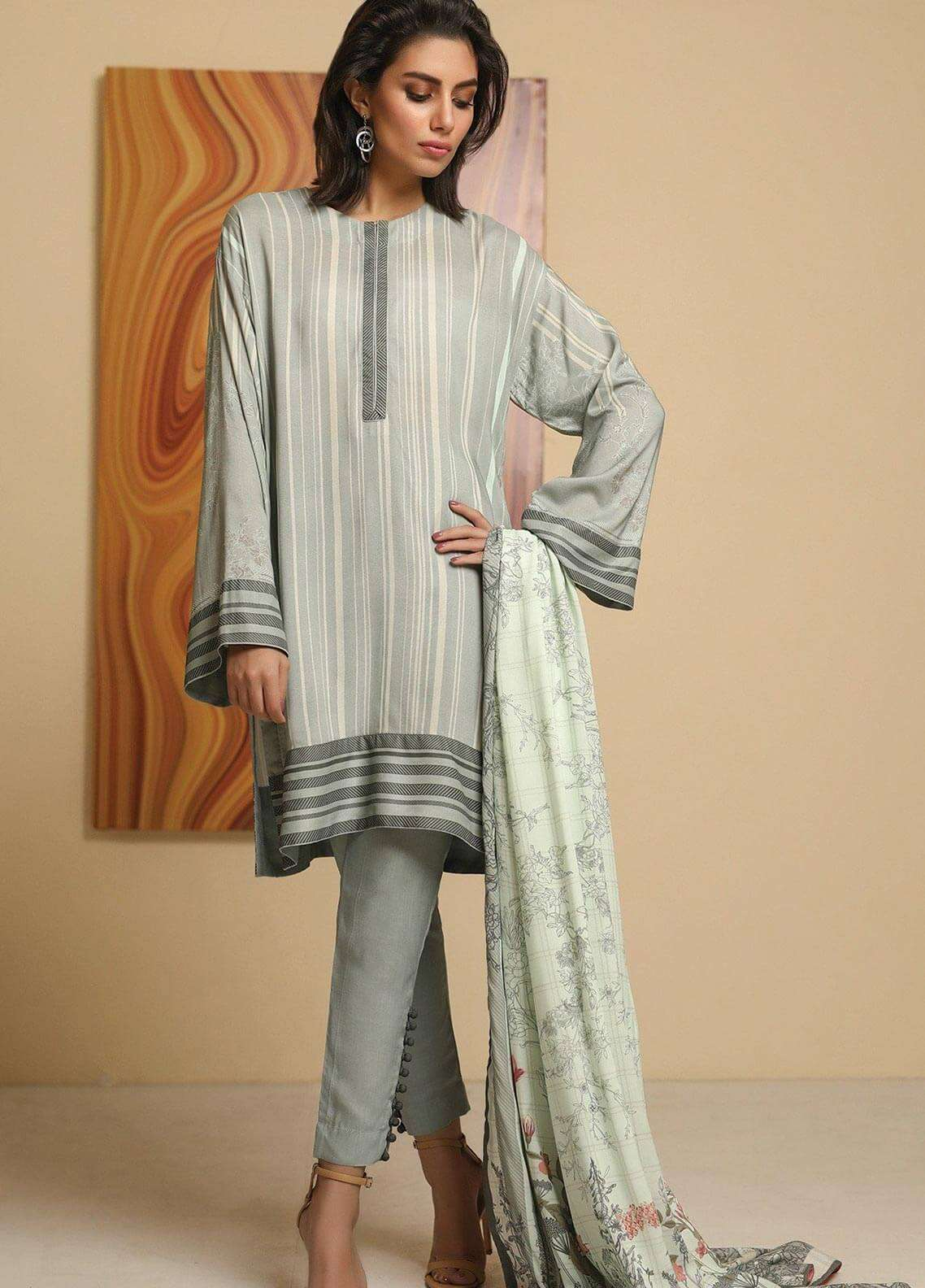 Al Karam Printed Viscose Unstitched 2 Piece Suit AK18W FW 66 GREEN - Winter Fashion