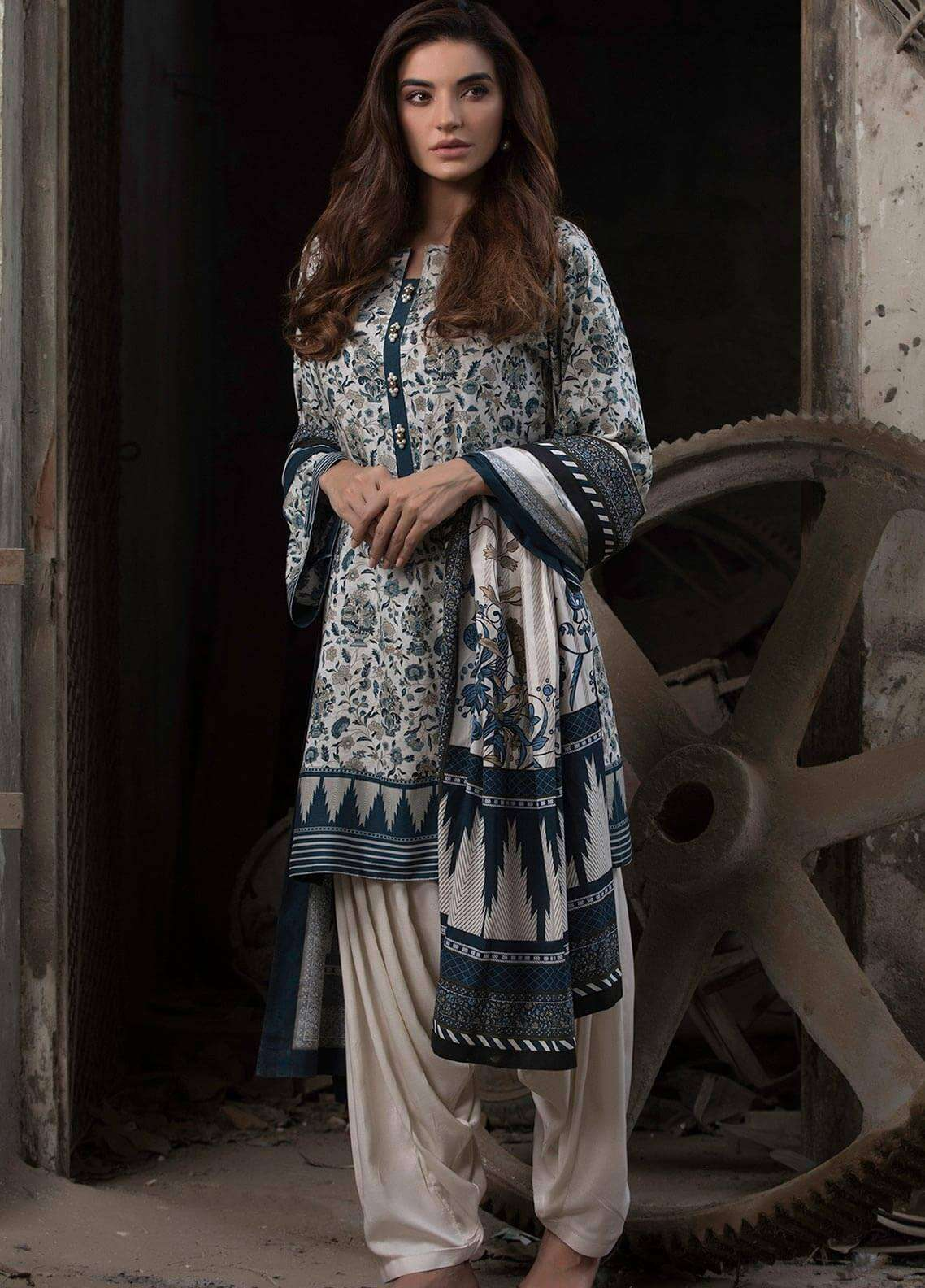 Al Karam Printed Viscose Unstitched 3 Piece Suit AK18W FW 8.1 BLUE - Winter Fashion