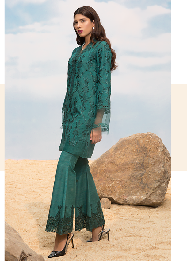 Sapphire Embroidered Khaddar Unstitched 3 Piece Suit SP17W Chantilly Dream A