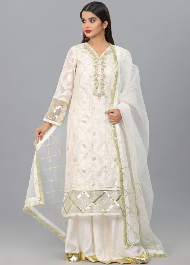 Kaara Embroidered Organza Stitched 3 Piece Suit KA20W KR-599