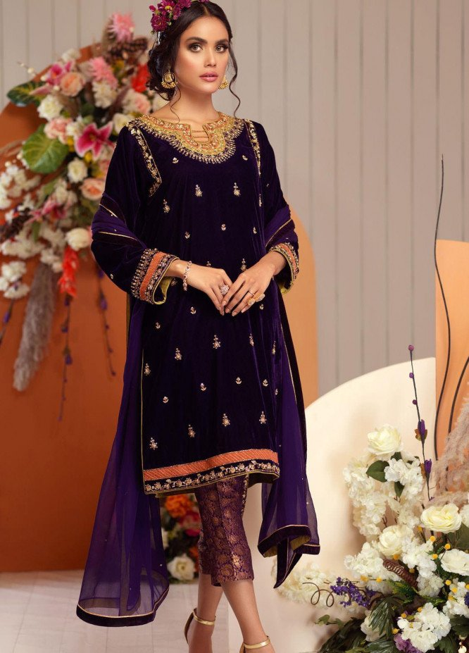 Zaaviay Embroidered Velvet Stitched 3 Piece Suit ZV20BM 03 SHAJAR