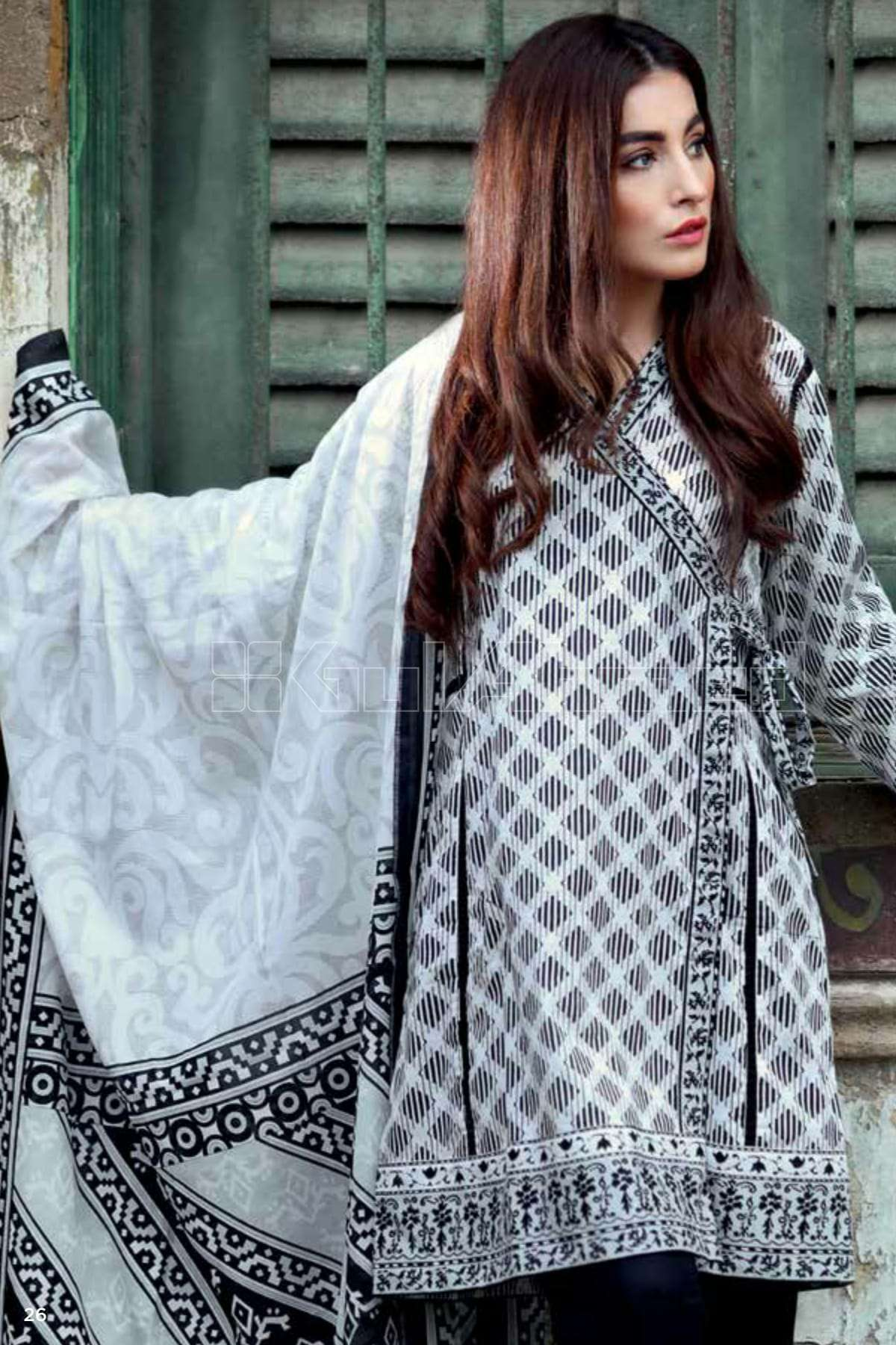 Gul Ahmed Printed Lawn Unstitched 3 Piece Suit GL17B 19