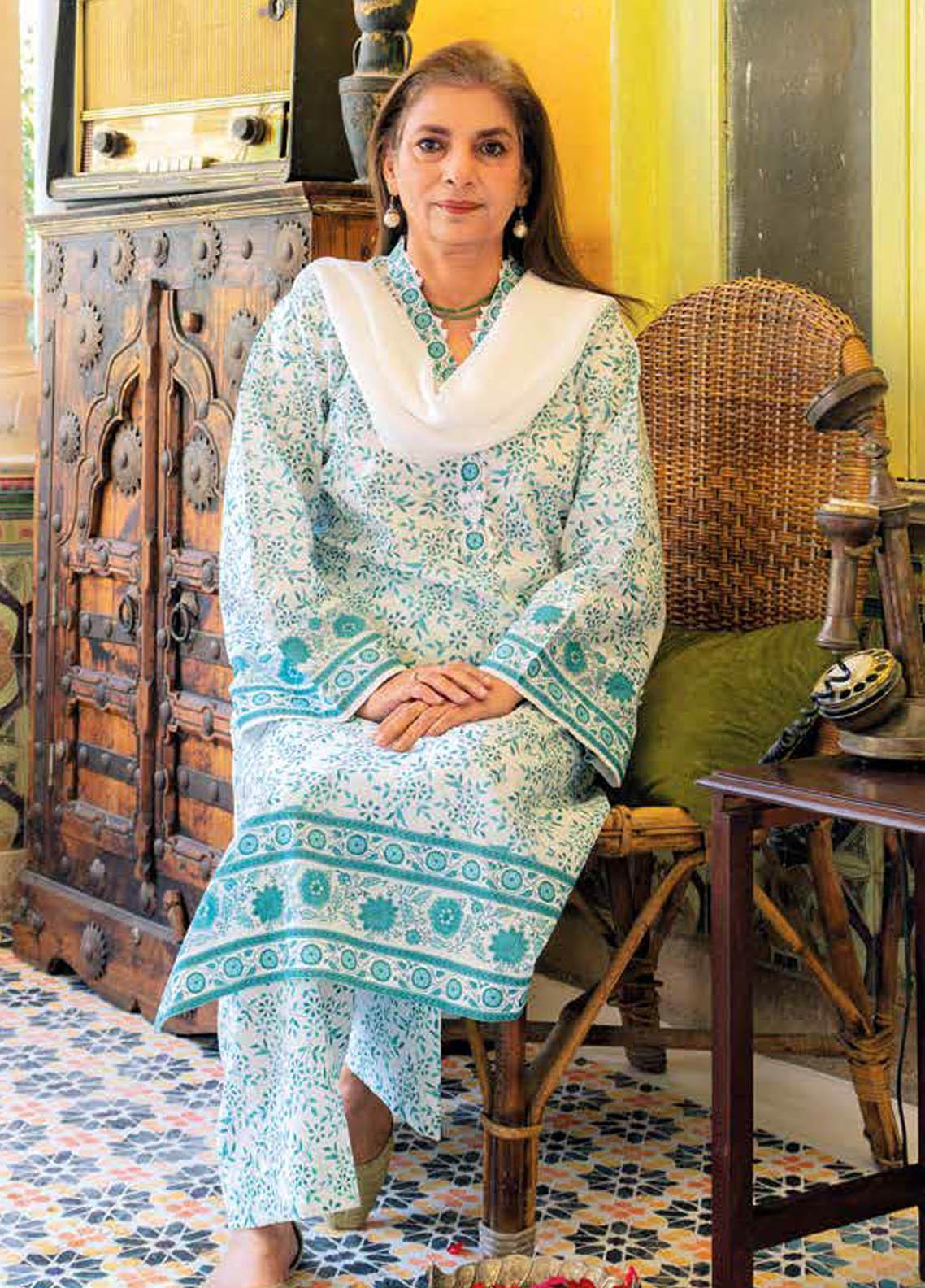 Gul Ahmed Printed Lawn  Unstitched Kurties GA21M SL-904 A - Summer Collection