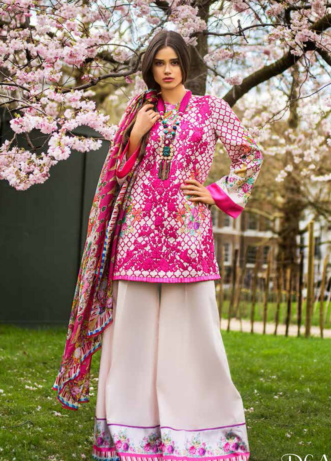 Honey Waqar Embroidered Lawn Unstitched 3 Piece Suit HW19F 6A LYRICS OF PAVLOVA - Festive Collection