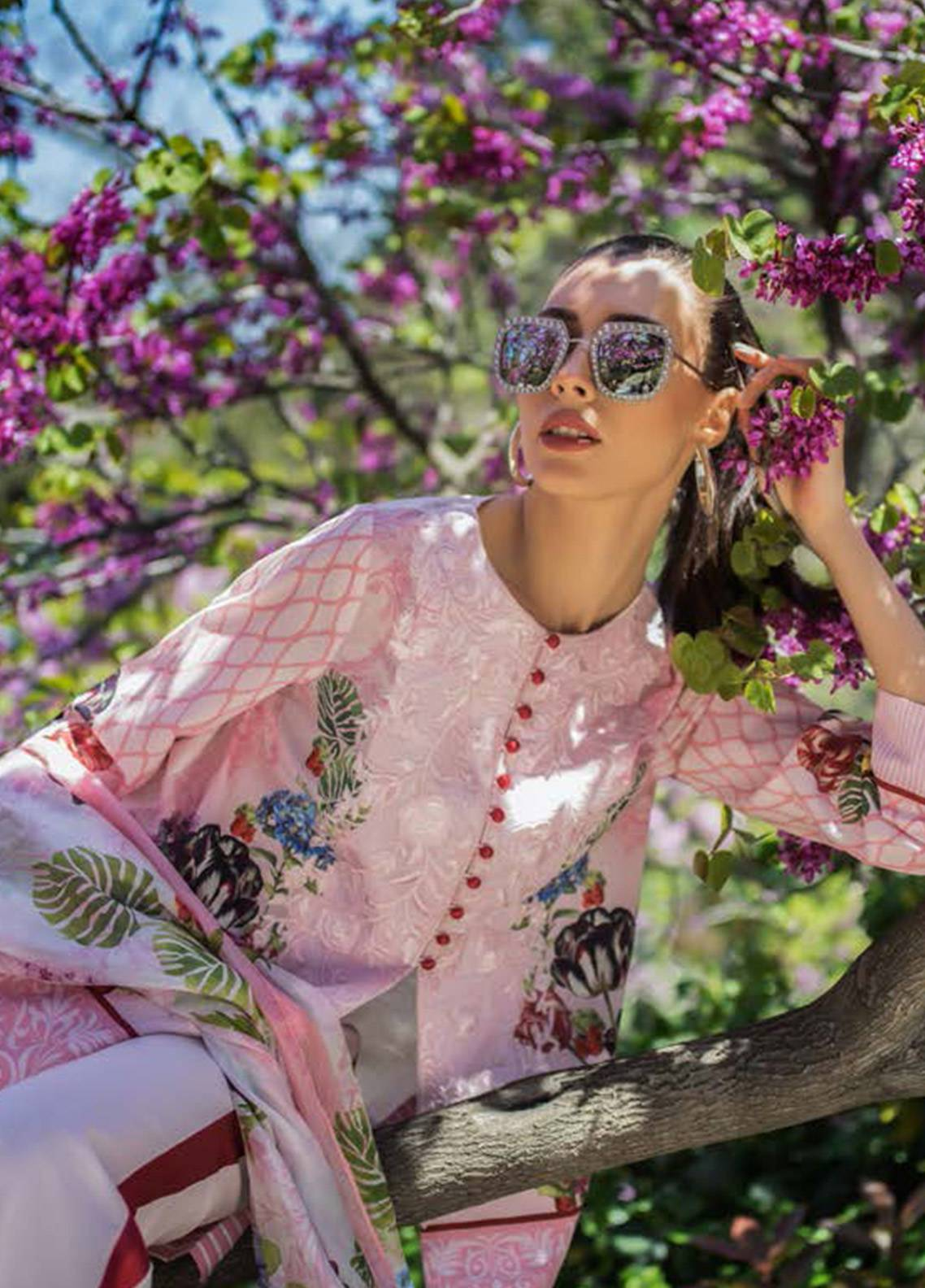 Honey Waqar Embroidered Lawn Unstitched 3 Piece Suit HW18F 11B - Eid Collection