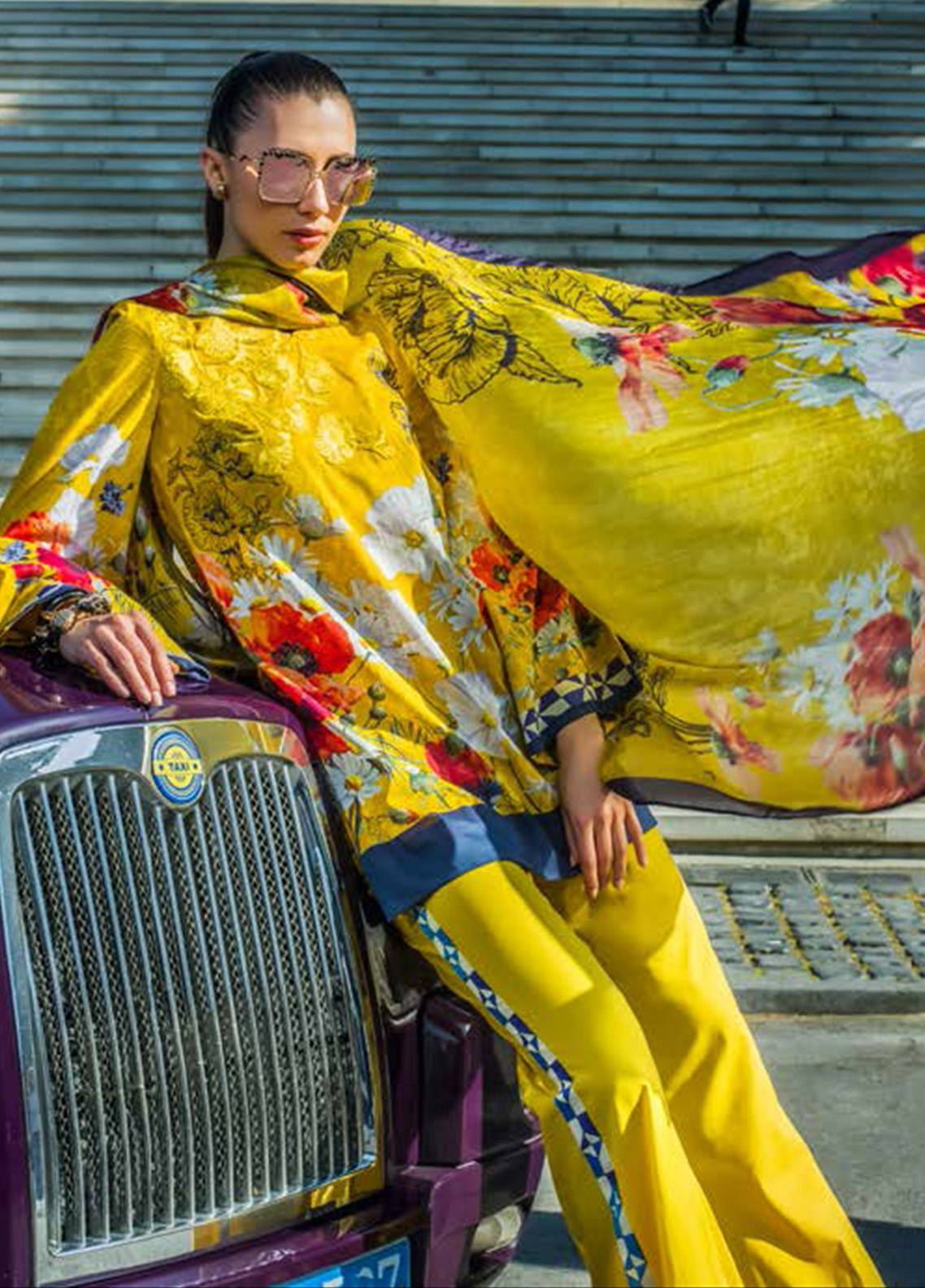 Honey Waqar Embroidered Lawn Unstitched 3 Piece Suit HW18F 12B - Eid Collection