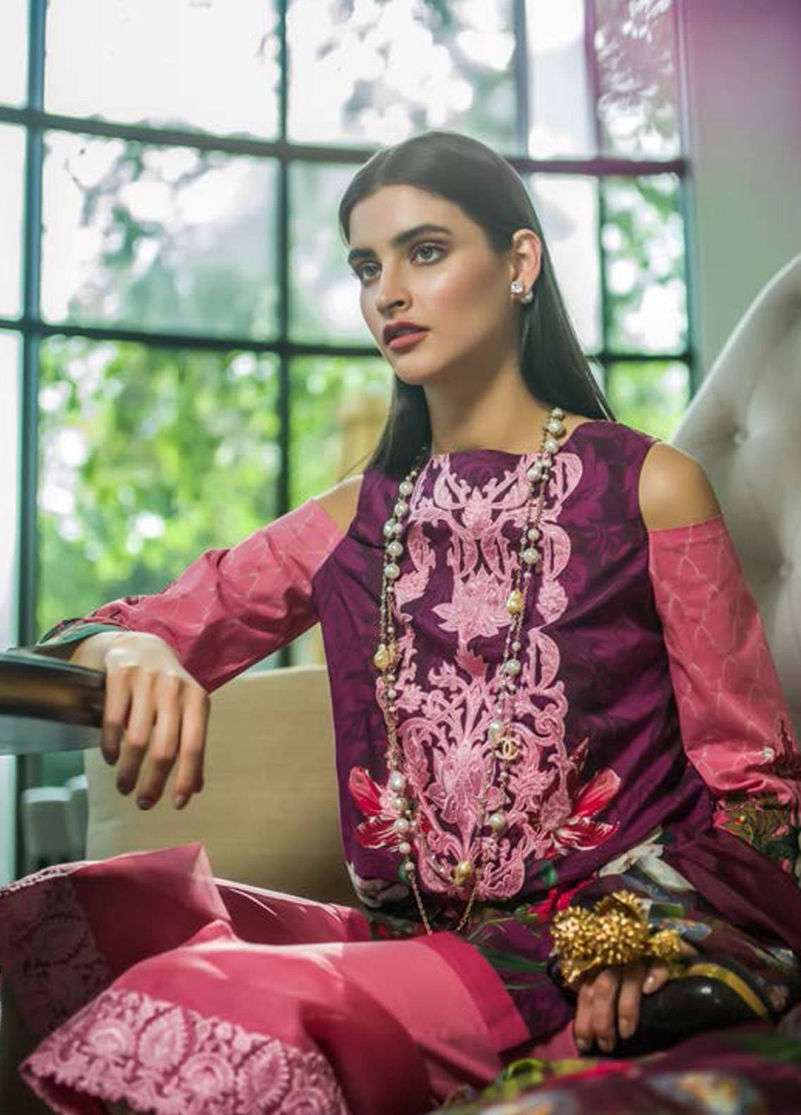 Honey Waqar Embroidered Lawn Unstitched 3 Piece Suit HW18F 8B - Eid Collection