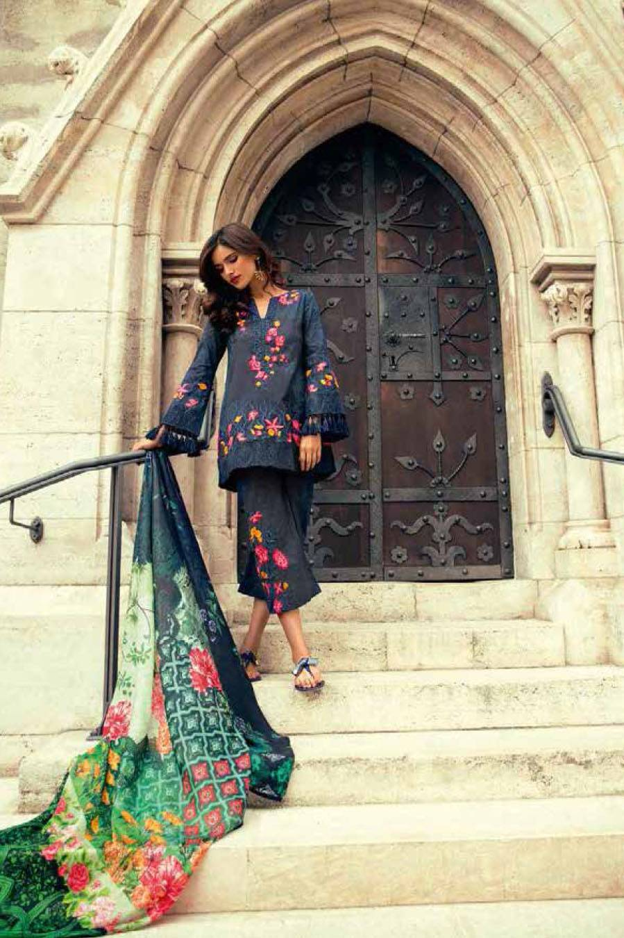 Mina Hasan By Shariq Embroidered Lawn Unstitched 3 Piece Suit MH17L 2A
