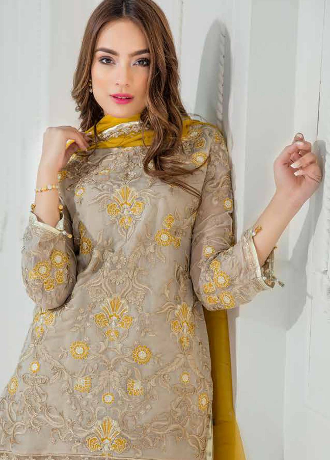 Maryum N Maria Embroidered Chiffon Unstitched 3 Piece Suit MNM18C 09 - Chiffon Collection