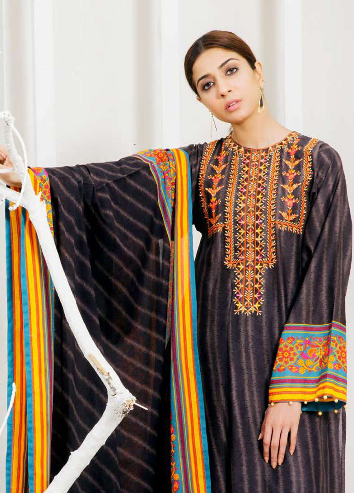 Orient Textile Embroidered Lawn Unstitched 3 Piece Suit OT19-L2 128 B - Spring / Summer Collection