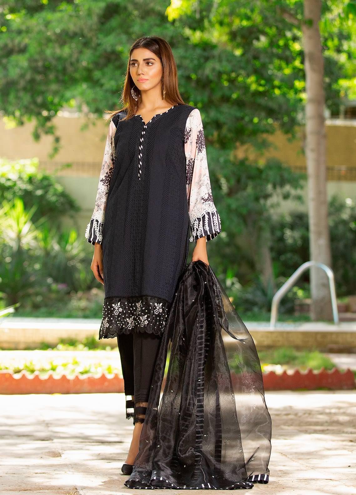 Sidra Mumtaz Embroidered Cotton Silk Stitched 3 Piece Suit 2103-S5-SB Sparkle Black