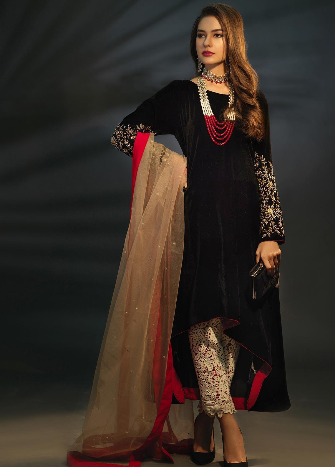 Sidra Mumtaz Embroidered Velvet Stitched 3 Piece Suit FIRE AGATE BLACK AND RED