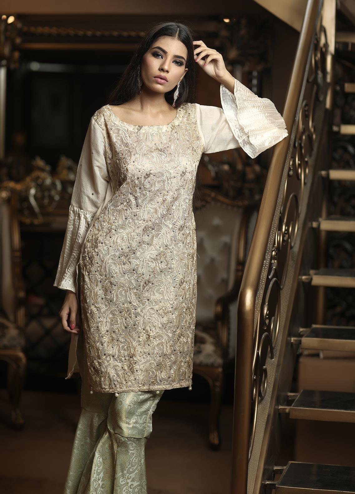 Sidra Mumtaz Embroidered Missouri Stitched 3 Piece Suit E-DS01-1705-DUST SKYLINE