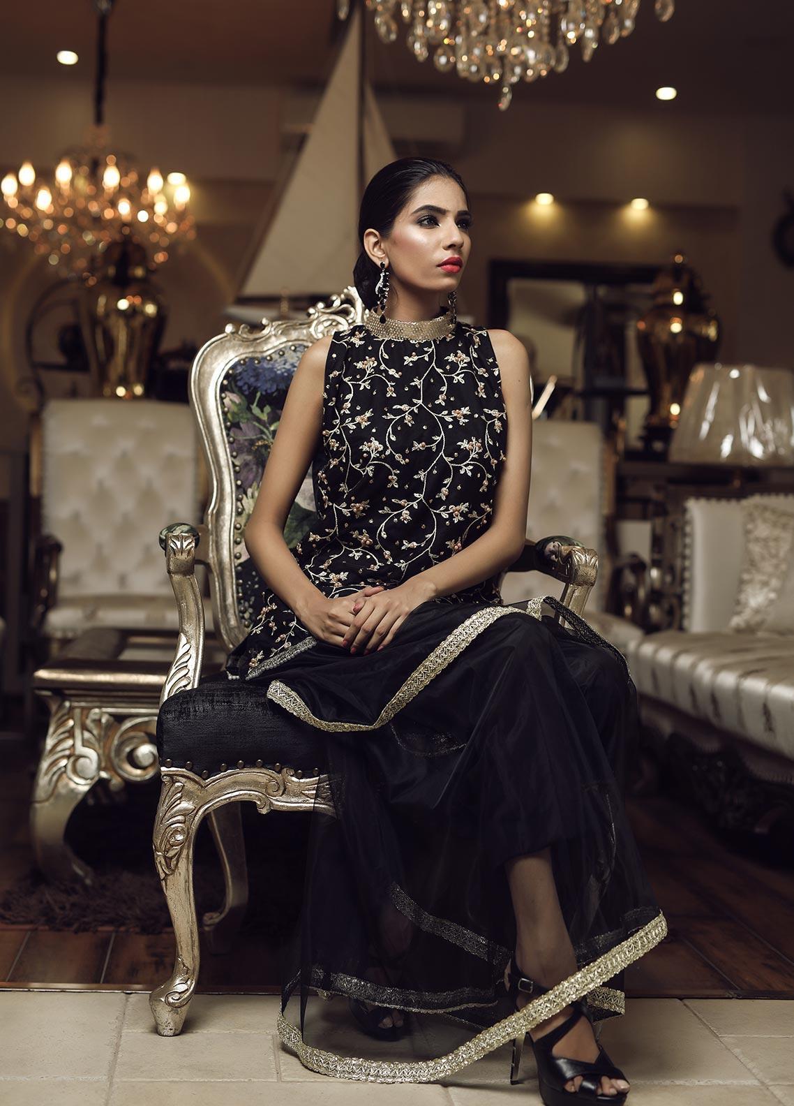Sidra Mumtaz Embroidered Net Stitched 3 Piece Suit E-QL01-1705-QUEEN LAND