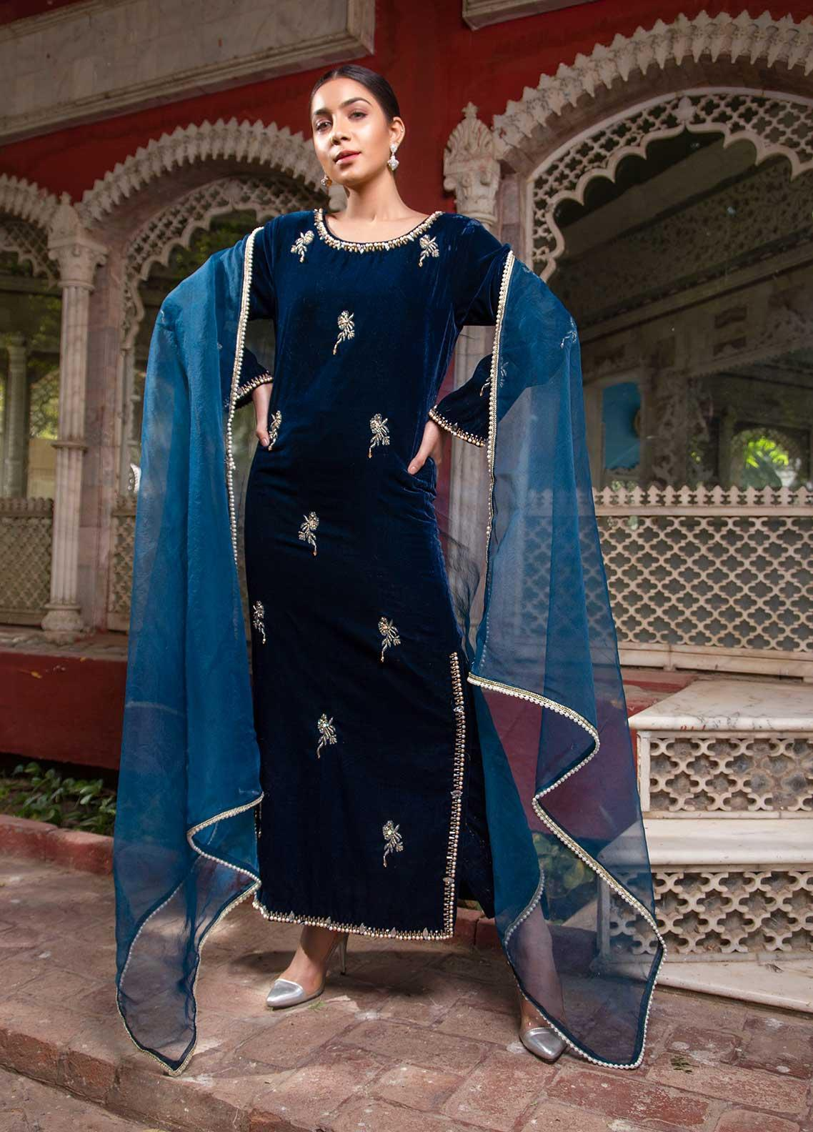 Sidra Mumtaz Embroidered Velvet Stitched 3 Piece Suit SM20GS 2101-GM-02 CHALCEDONY