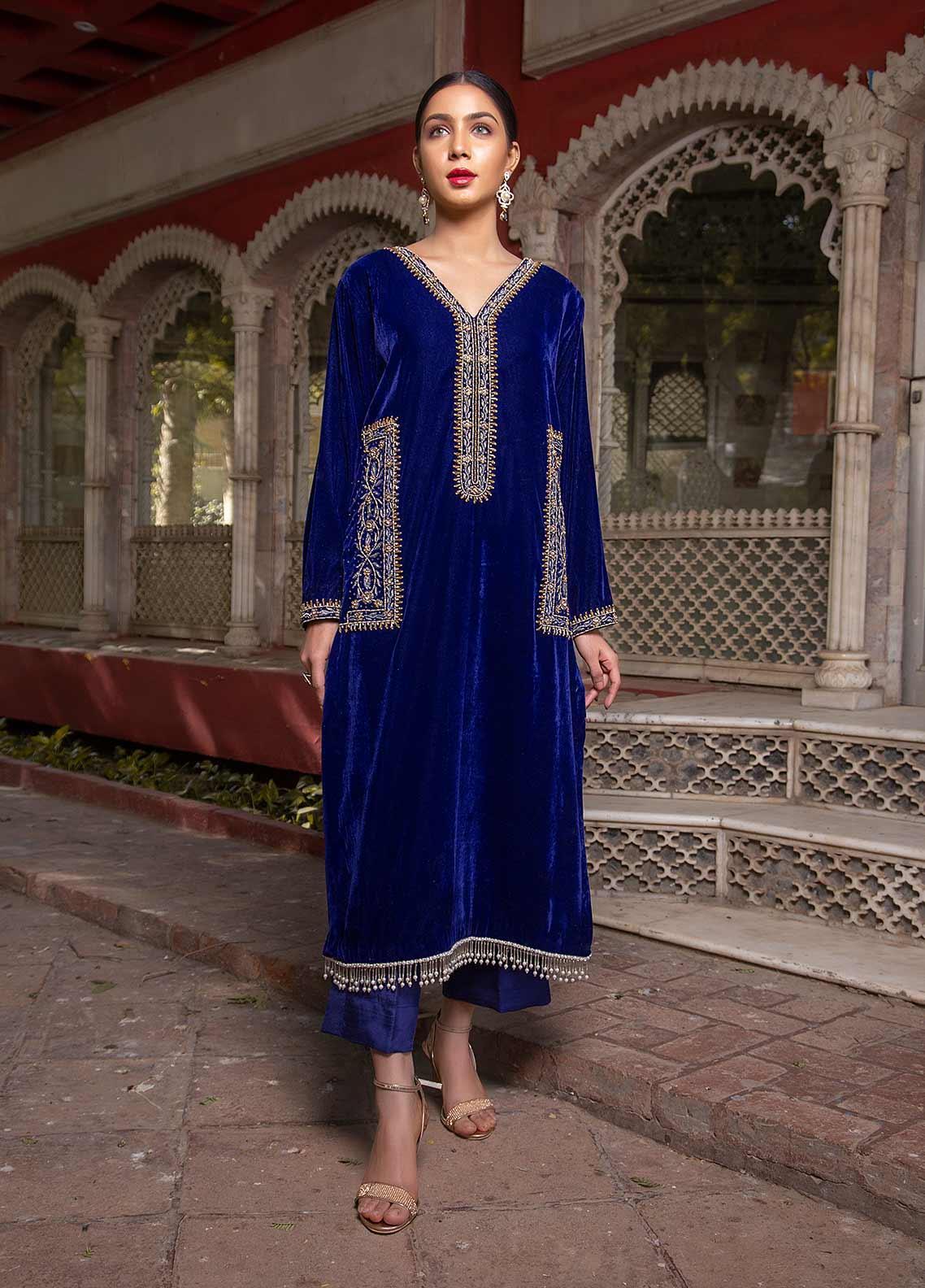 Sidra Mumtaz Embroidered Velvet Stitched 2 Piece Suit SM20GS 2101-GM-08 CAVANSITE