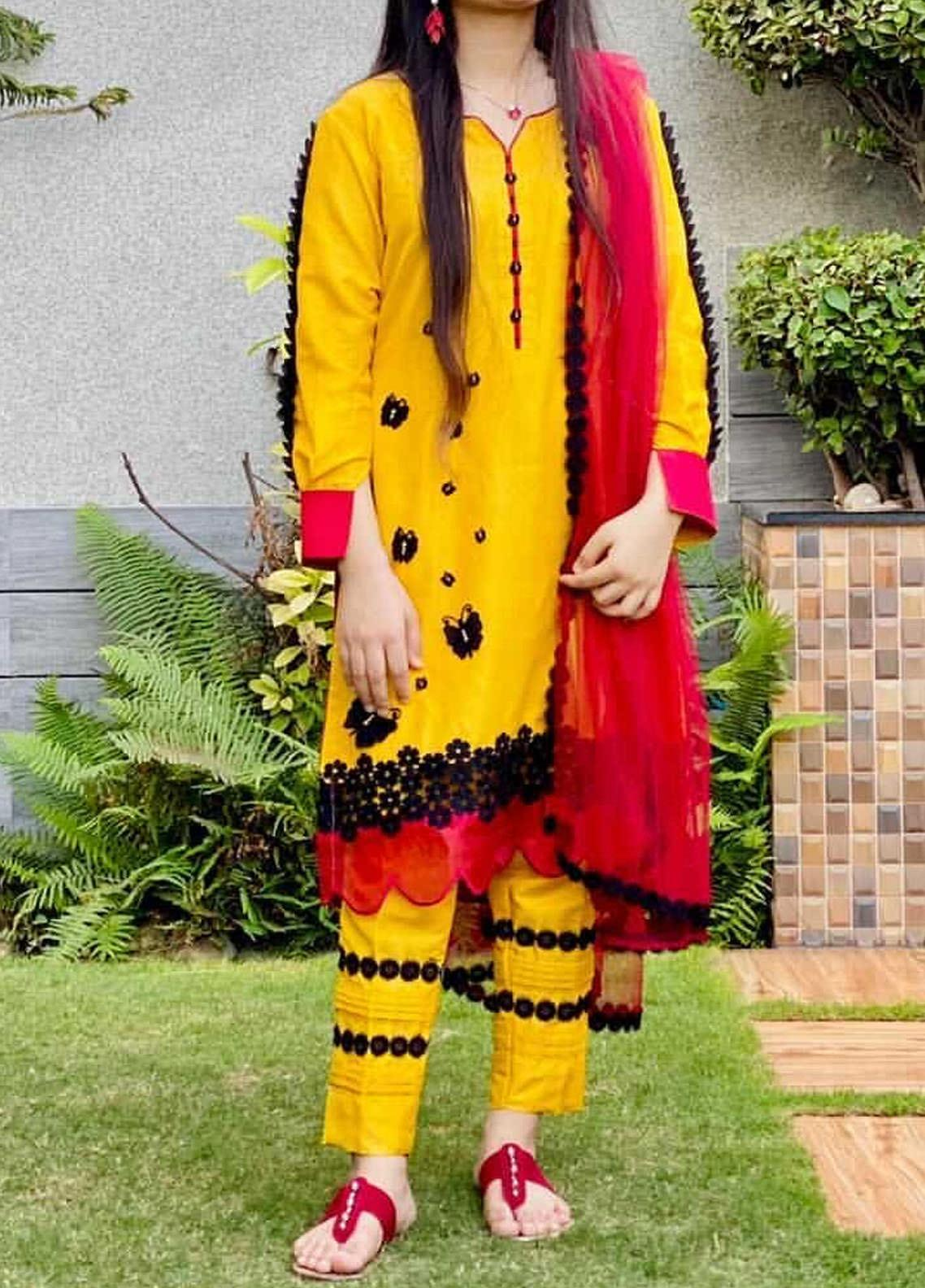 Sidra Mumtaz Embroidered Cotton Silk Stitched 3 Piece Suit SM20PD BUTTERFLY LOOP