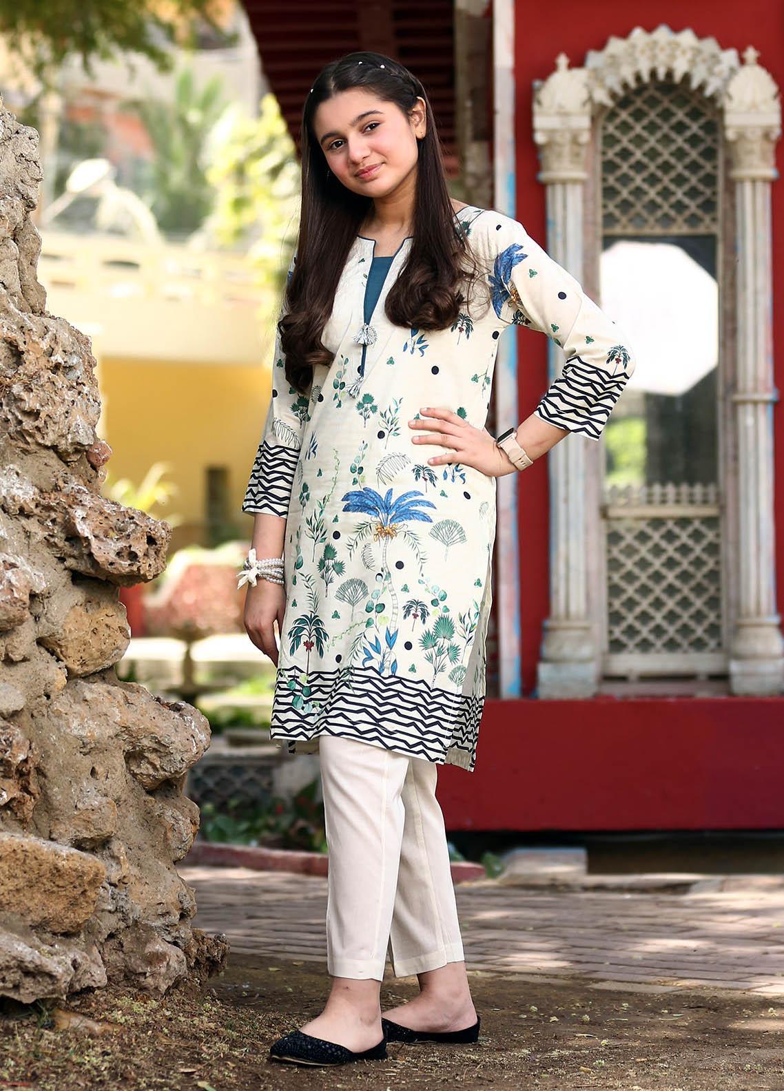 Waniya Lawn Printed 2 Piece Suit for Girls -  WKA20-27D TROPIC FEELS