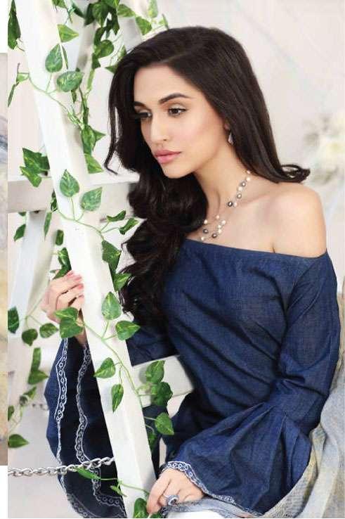 Zarqash Embroidered Lawn Unstitched 3 Piece Suit ZQ17L 10A